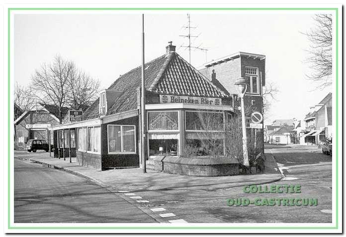 Circa 1970: Het hotel / café wat tot 1959 van Broksma was.