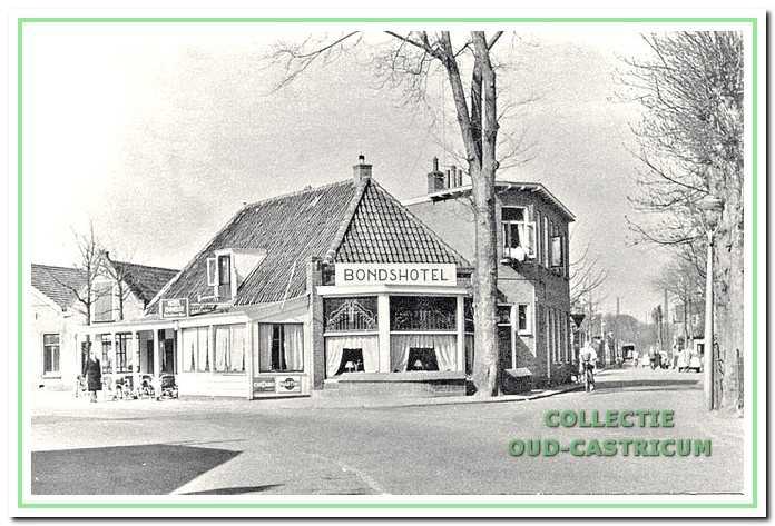Circa 1955: Bondshotel van de familie Meijer van 1948-1959.