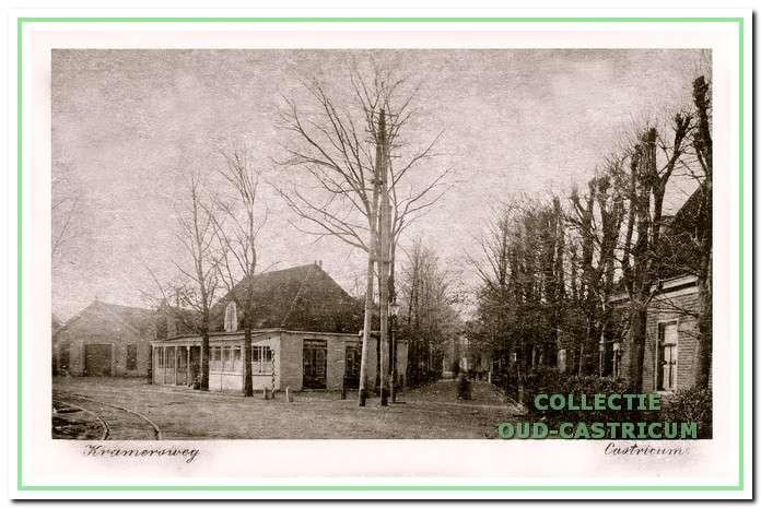 Datum onbekend: Hoek Rijksstraatweg, nu Dorpsstraat, Burg. Mooijstraat.
